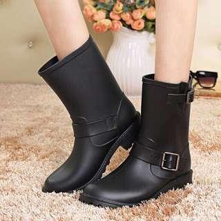時尚中筒雨鞋 黑