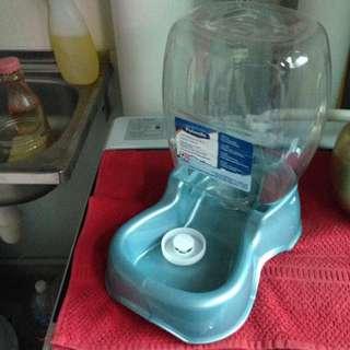 Cats' Water Dispenser