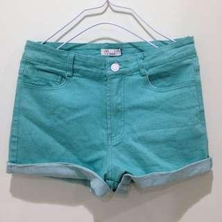 馬卡龍綠色短褲