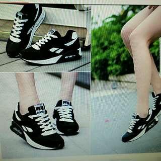 黑白色運動風休閒鞋