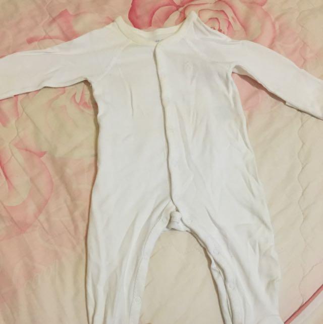 白色長袖連身衣