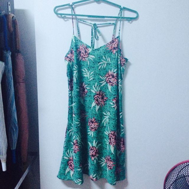 Hawaii-themed Dress