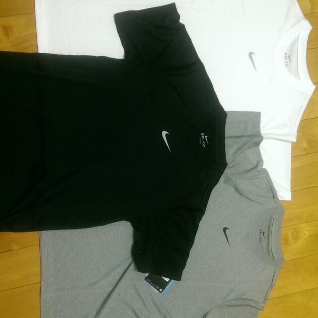 (降價清倉)Nike 胸口logo Drifit
