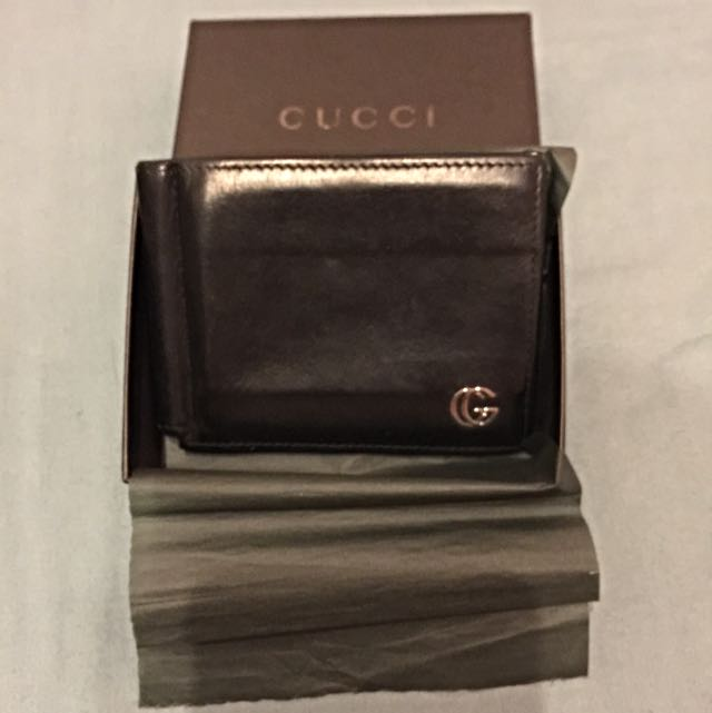 543bc9e3138 Pre-Loved Gucci Money-Clip Wallet. Holds 4 Cards. Money Clip Missing ...