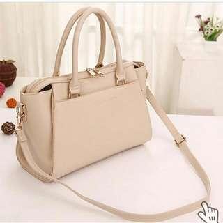 Woman Fashion Bags // MCLB1996