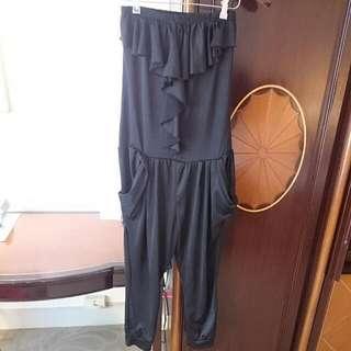 [免運]黑色荷葉平口連身褲