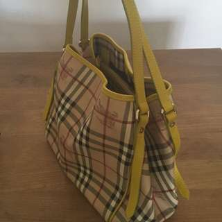 Burberry Canterbury Yellow