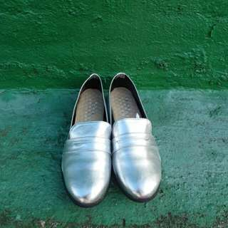銀色包鞋含運費唷