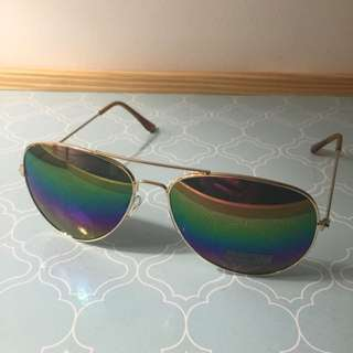 Aviators Gold Rim Sunnies Rainbow Reflector