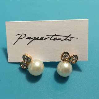 Earring With Bow And Pearl