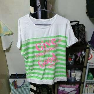 中大尺碼 T-shirt