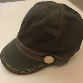 🌀☀️俗俗出清 150元☀️🌀 帽子 墨綠色(非新品)