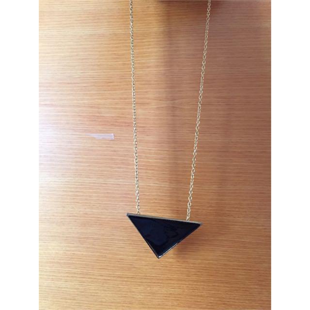 黑色三角項鍊