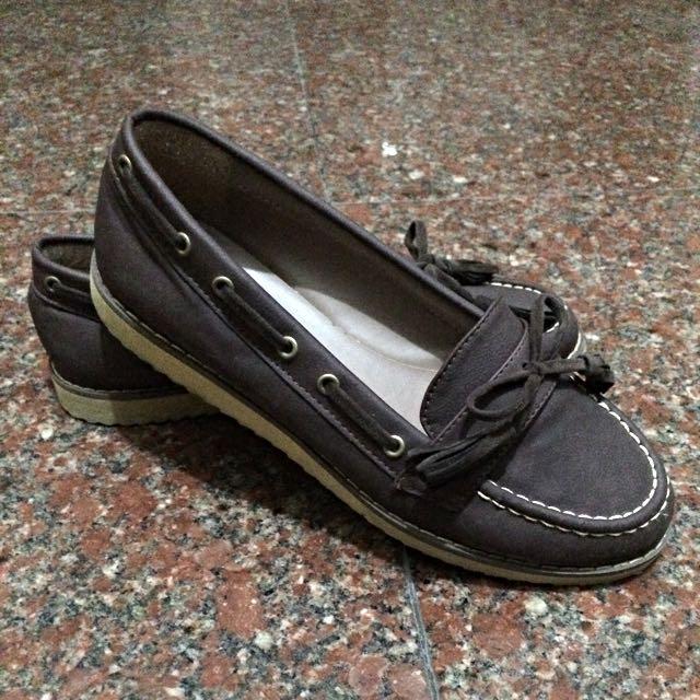 深棕色百搭莫卡辛休閒鞋