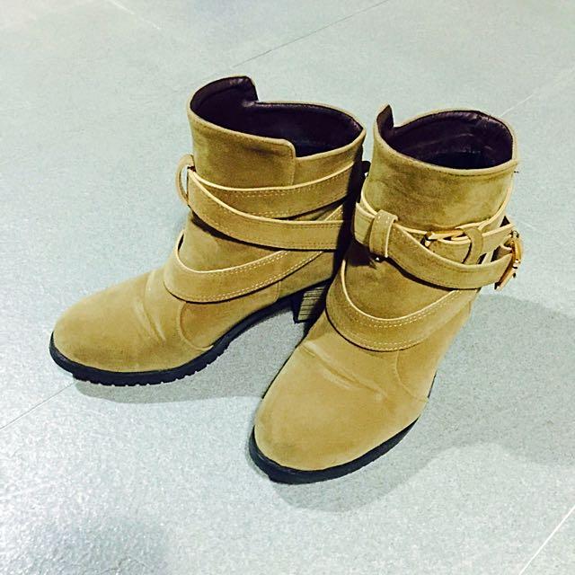 👸🏻寶貝四千金 黎一彎鞋款👸🏻麂皮棕色短靴 四季皆可穿