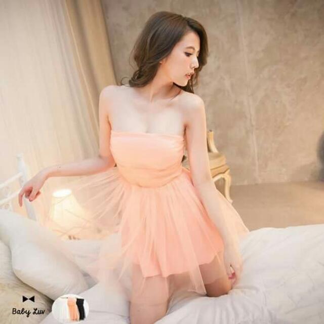 售出白 剩粉橘 平口小洋裝小禮服 很甜美