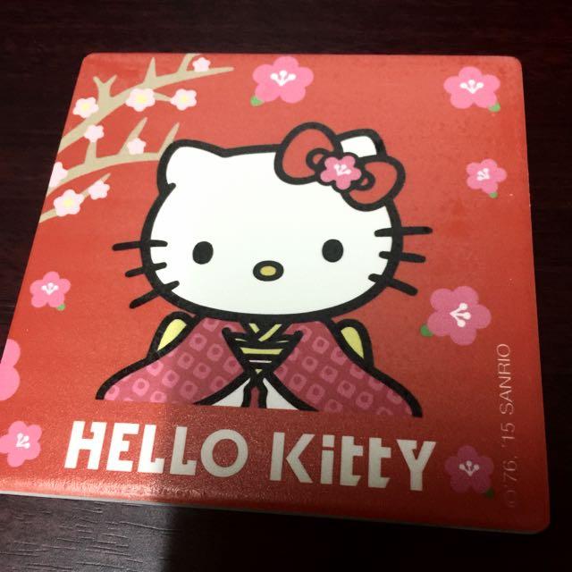 全新 Hello Kitty 大杯墊