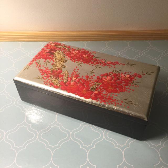 Adorable Lacquer Treasure Box