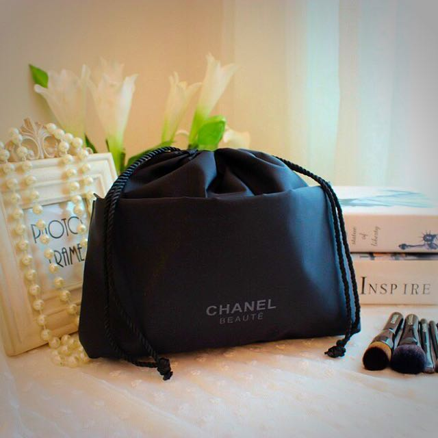 f4c6d0def639 Chanel Cosmetic Pouch / Makeup Pouch / Drawstring Lunch Bag, Health ...