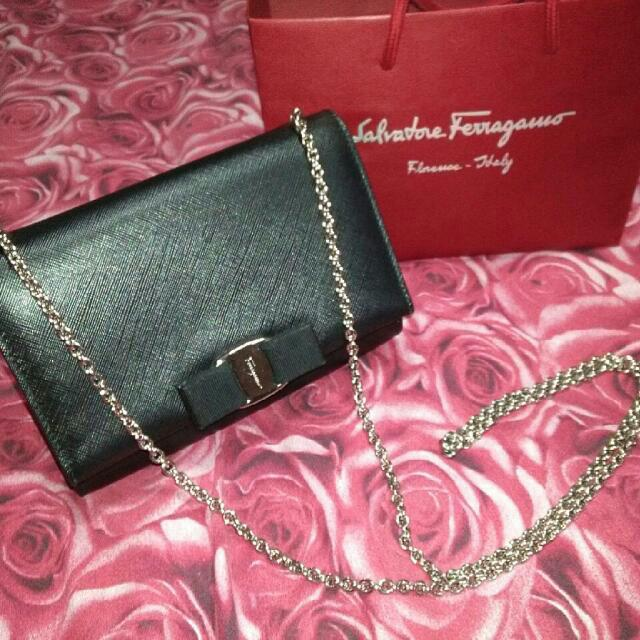79eb40406016 Final Sale Great Condition 100% Authentic Salvatore Ferragamo Vara Bow  Chain Sling Bag