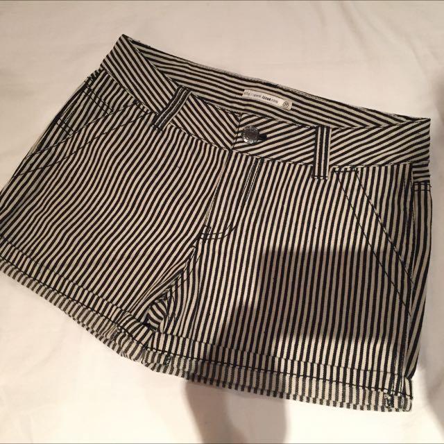 Izzue  條紋短褲