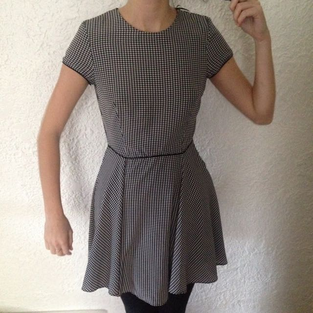 Zara Size 8 Houndstooth Dress Black And White