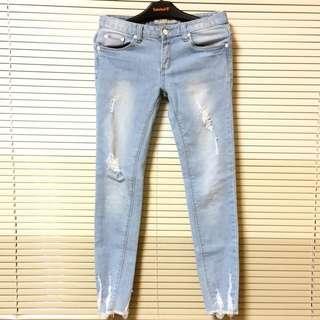 淺藍刷破牛仔長褲 🐳