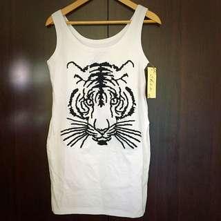 ✨全新✨白色長版老虎貼身背心裙