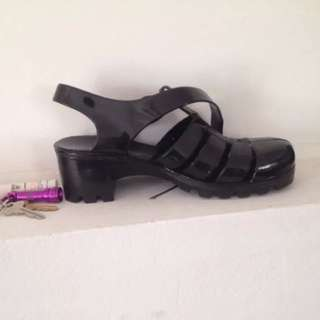 Size 9 American Apparel Rubber Shoes