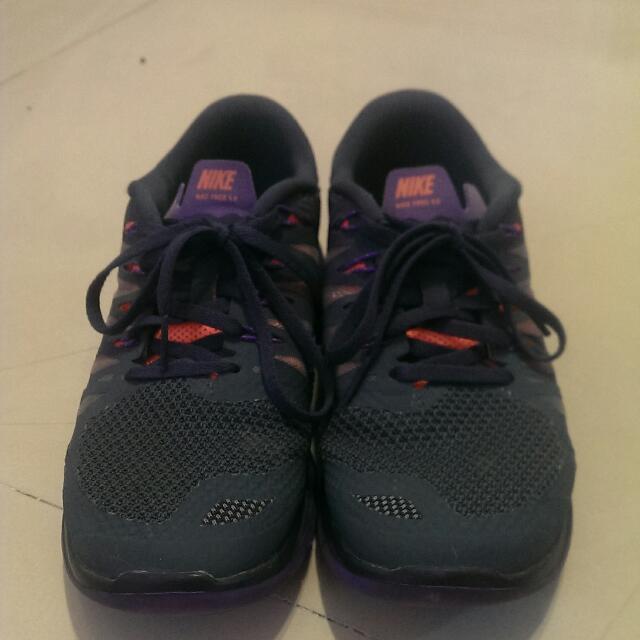 Nike輕量跑鞋