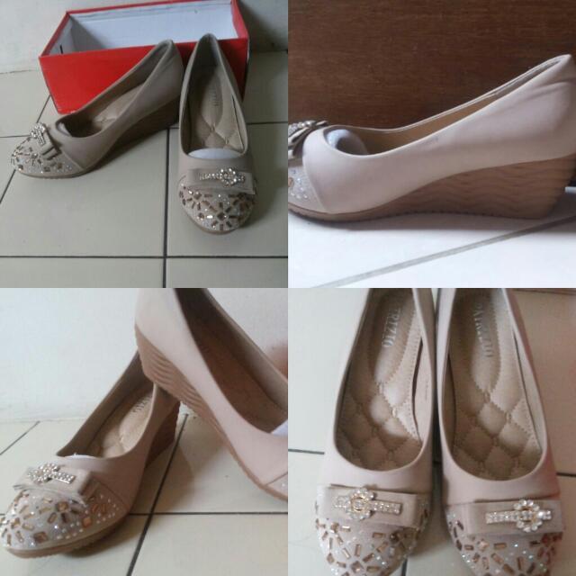 Sepatu Wedges Import aa8b2491f3