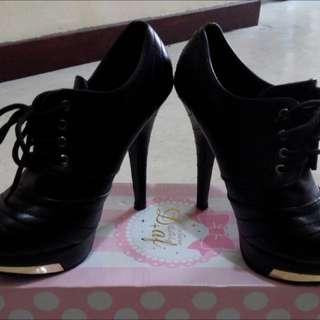 黑色高跟裸靴 秋冬必備款 9成新 含運價