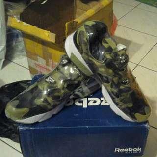 Bape x mita x Reebok Pump Fury充氣鞋