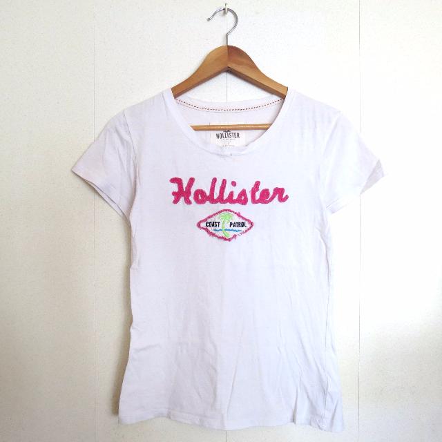 Hollister T-Shirt $100