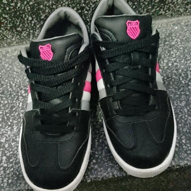 K-Swiss運動板鞋