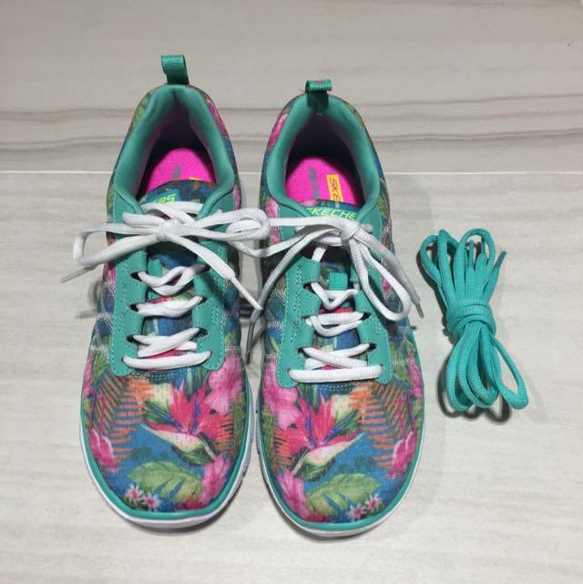 Skechers 花色運動鞋