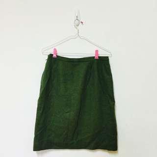 毛料綠色中長裙(˶‾᷄ ⁻̫ ‾᷅˵)