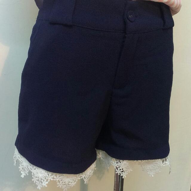 藏藍/深藍色日系單扣花邊短褲