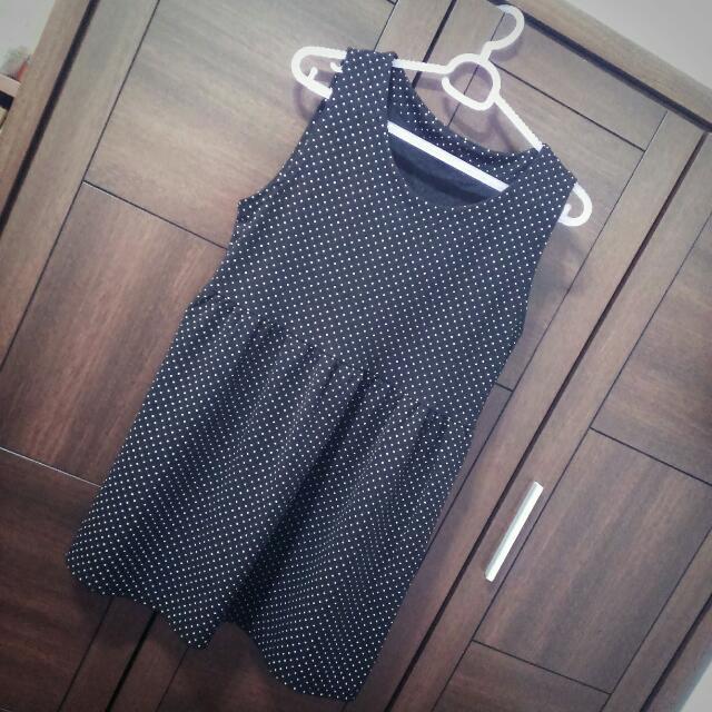 黑色點點背心裙