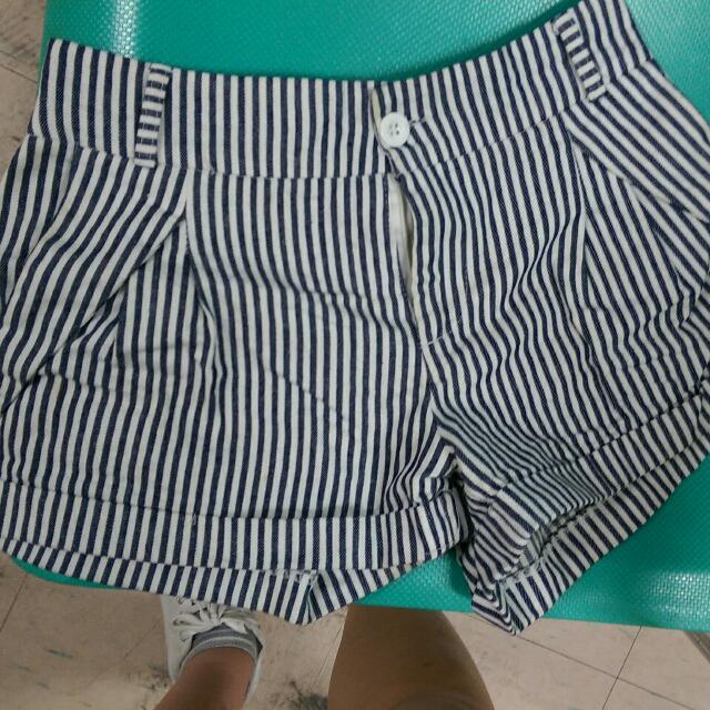 條紋短褲(只穿過一兩次)