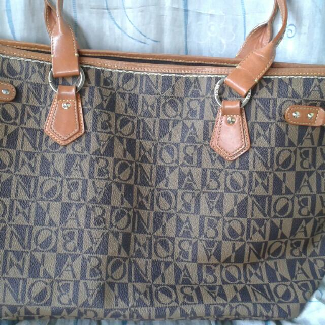 251fc0561a Authentic Bonia Tote Bag Size M, Women's Fashion on Carousell