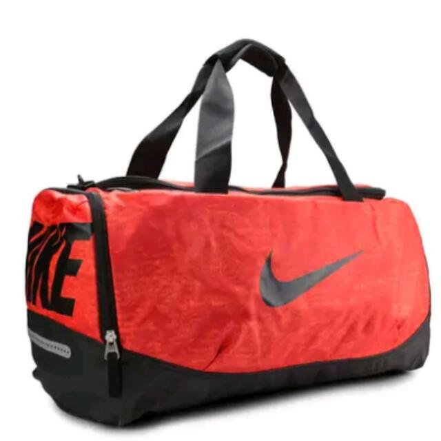 Nike Team Training Max Air Graphic Medium Duffel Bag b2adf322fe931