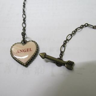 日本大牌katie 後刻字 AMO著用 獨家貫穿愛神邱比特設計  嫩膚色ANGEL