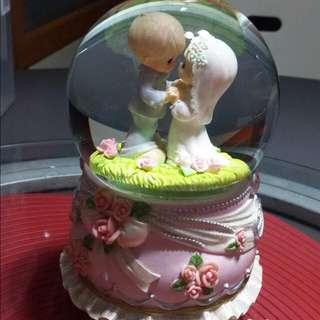 Precious Moments Wedding Musical Globe