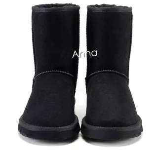 【Anna】牛皮羊毛~真皮5825 中筒 雪靴(黑色)《2雙免運》UGG太陽花底