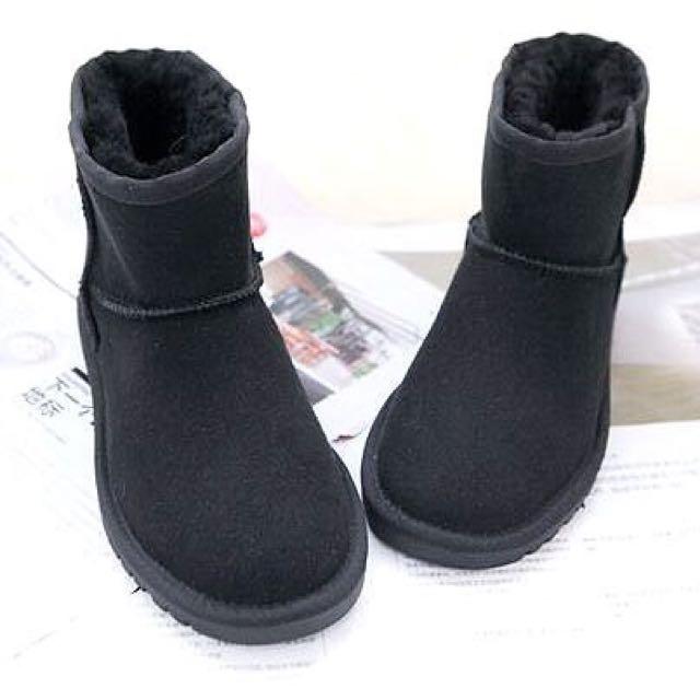 【Anna】牛皮羊毛~真皮5854 底筒 雪靴(黑色)《2雙免運》UGG太陽花底