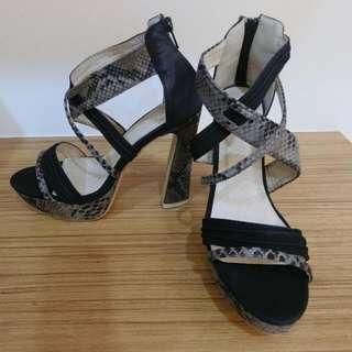 辣妹款仿蛇紋厚底粗跟羅馬鞋