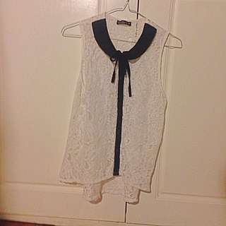 Cute White And Black Blouse Size 8 With Bow