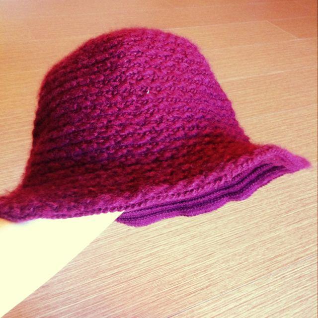 2手。酒紅針織漁夫帽