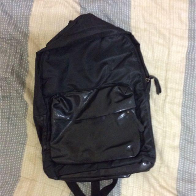 全新」卯釘後背包包